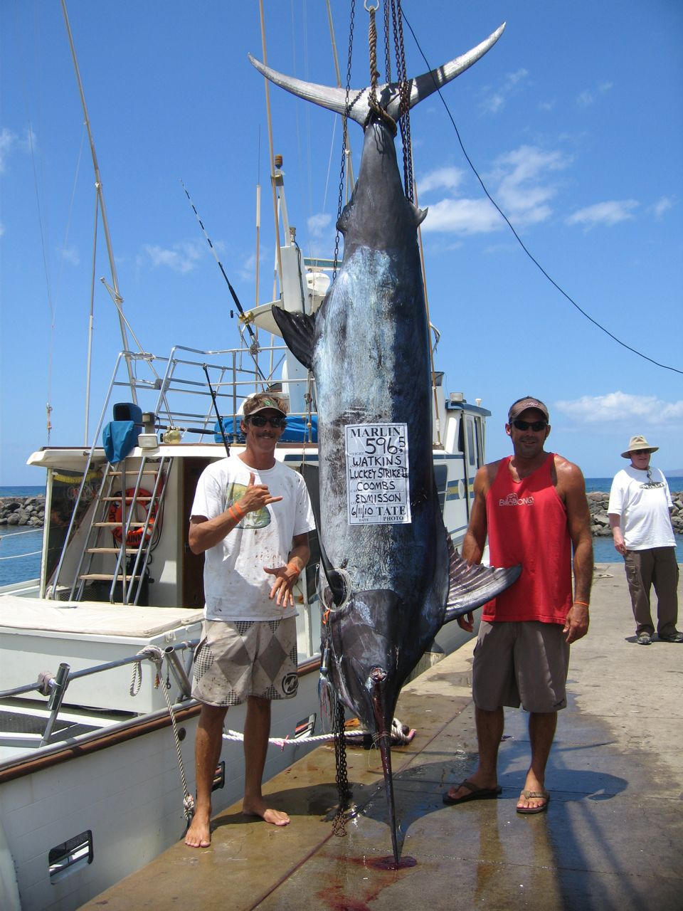 Fish tales on maui 2010 for Maui fishing report