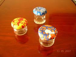 potinhos com tampa de porcelana plástica (FIMO)