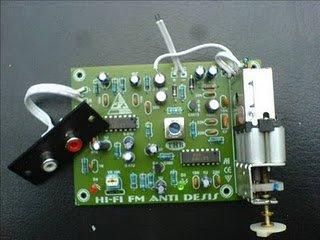 CARA MERAKIT POWER AMPLIFIER PLUS RADIO FM TUNER