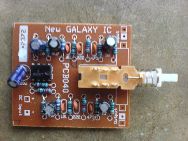 GALAXI. Alat ini gunanya untuk menambah bass dan treble jika dirasa