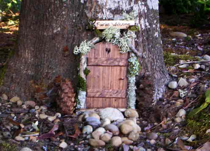 Carrie 39 s little world for The little fairy door