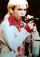 Kyo's Elton John cosplay