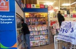 Kiosco Sposito en la entrada del Supermercado Disco