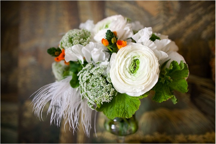 new-york-city-white-wedding-bouquet