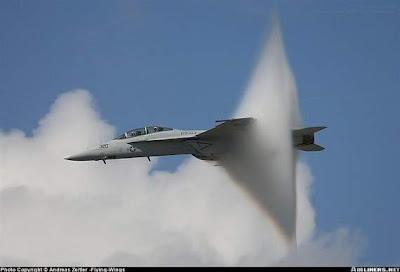Foto-Foto Penerbangan Pesawat Yang sangat menakjubkan Yang Tertangkap ...
