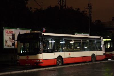 Canon 40D at 3200 iso - Prague bus night shot