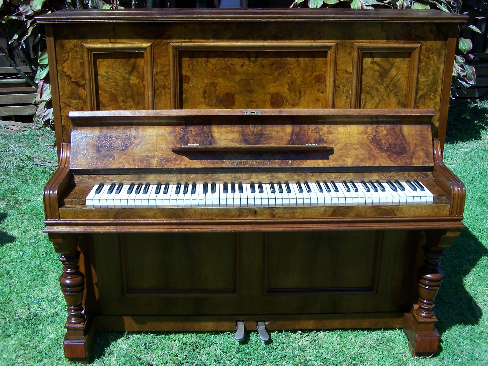 dating old pianos The history of mason & hamlin pianos dating back to the mid 19 th century as for the age-old question 'mason & hamlin vs steinway'.
