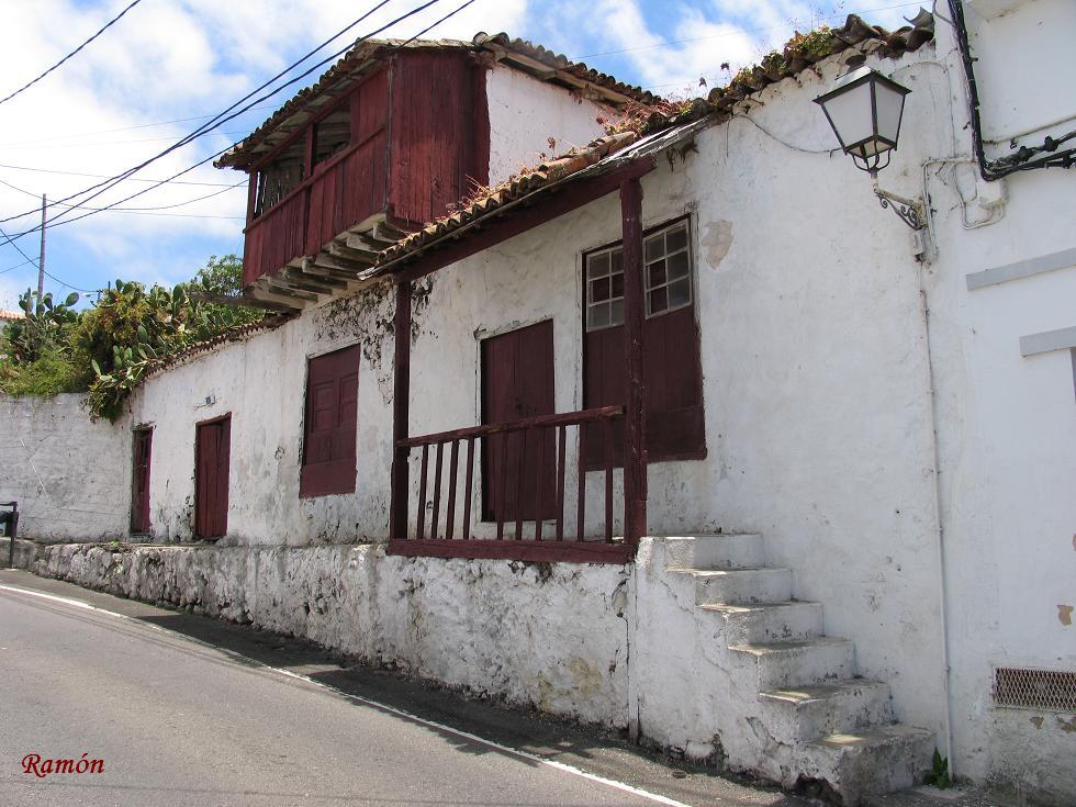 Recuerdos del pasado antigua casa canaria en el tanque - Casas de madera gran canaria ...
