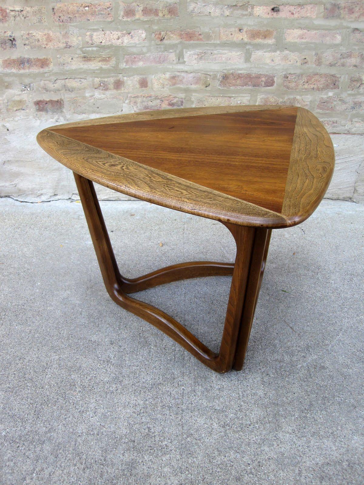 acclaim triangle end table