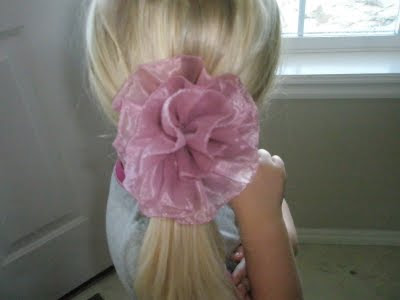 I've never thought I could make hair bows with the ribbon that has wire in