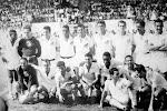 FOTO DO SANTOS F. C. EM 1957 NUM AMISTOSO NO CLUBE DE REGATAS NITRO QUIMICA !