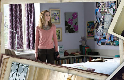 Taking Apart Hermione S Bedroom From