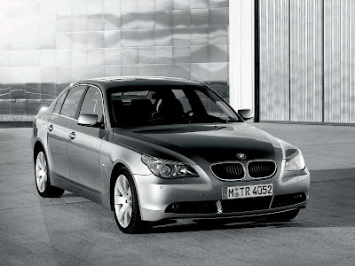 That's a newer shape 5 series. A 2004 5 series looks more like this: