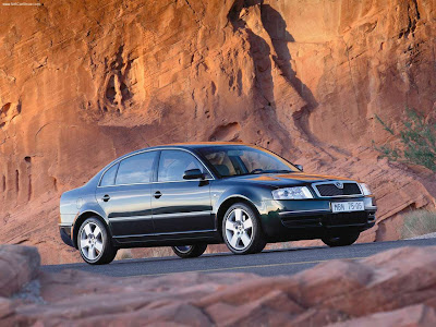 2001 Skoda Superb. El prestigioso Skoda Superb se