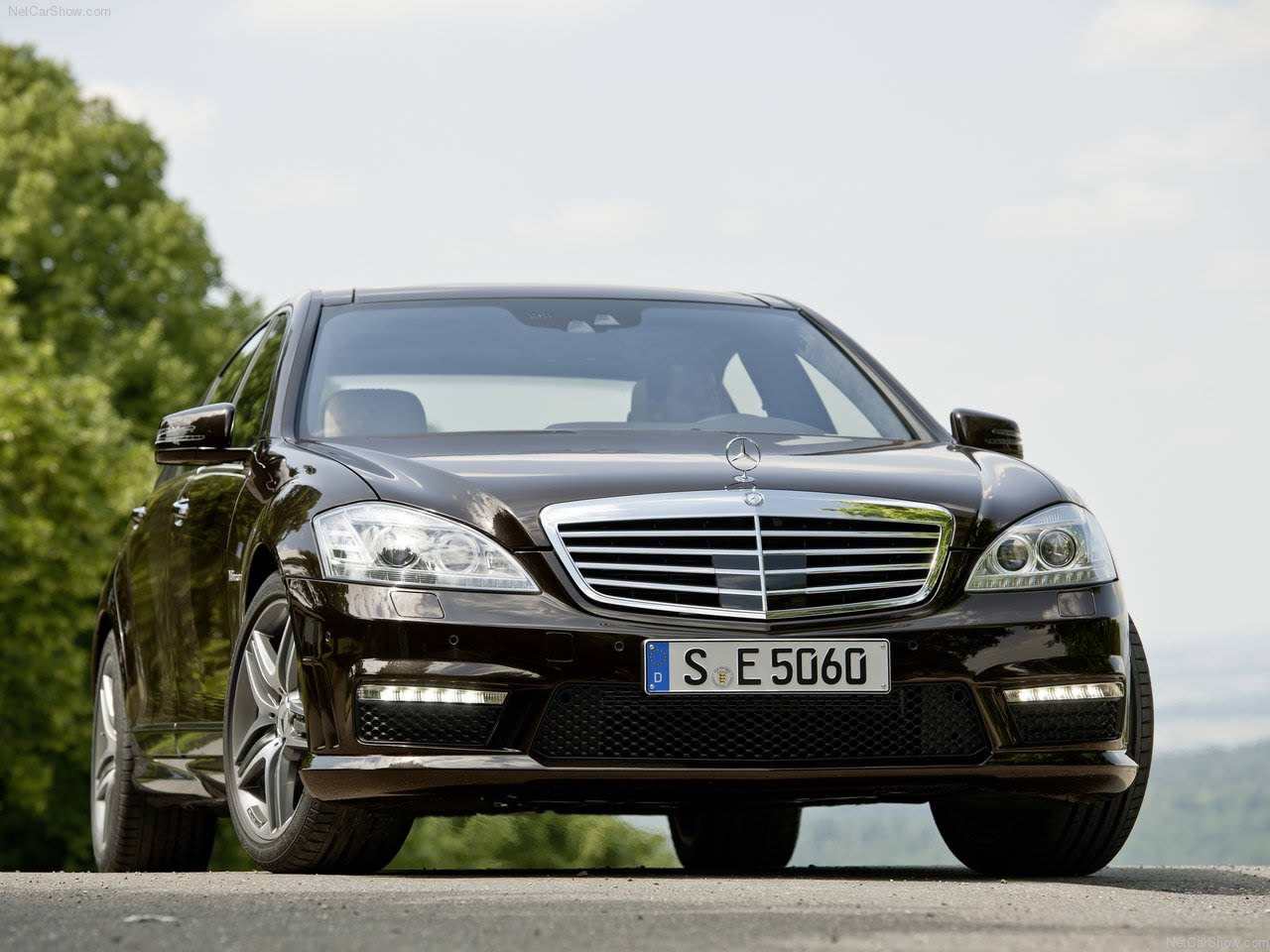 http://3.bp.blogspot.com/_lsyt_wQ2awY/TFLQhy7LxlI/AAAAAAACAQ4/5yVRXRjrpK8/s1600/Mercedes-Benz-S63_AMG_2011_1280x960_wallpaper_02.jpg