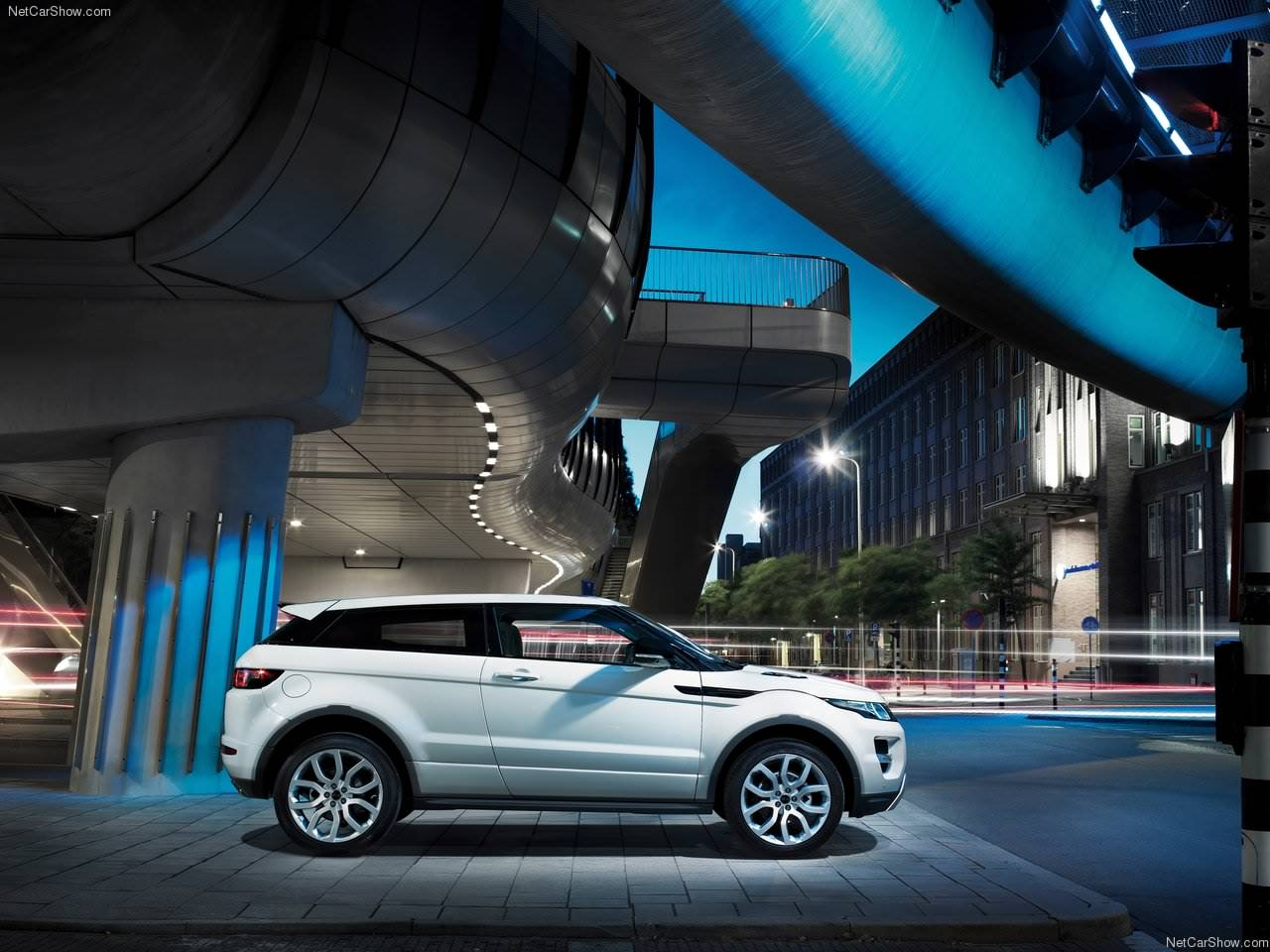 http://3.bp.blogspot.com/_lsyt_wQ2awY/TJsRwLWN7GI/AAAAAAACFQY/r1572al0oOQ/s1600/Land_Rover-Range_Rover_Evoque_2011_1280x960_wallpaper_09.jpg