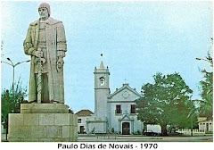 ESTÁTUA DE PAULO DIAS DE NOVAIS.