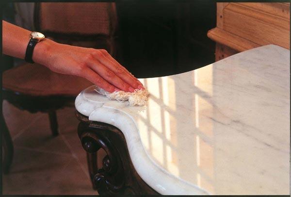 Decora y amuebla limpieza y cuidados de encimeras de m rmol for Limpiar colchon amoniaco