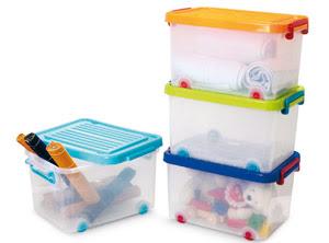 Decora y amuebla ideas para guardar juguetes for Cajas de plastico para guardar ropa