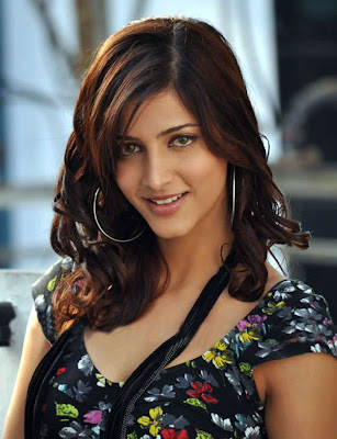 HOT ACTRESS  SRUTHI HASSAN PICTURES
