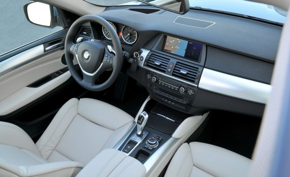 2010 BMW ActiveHybrid X6 interior