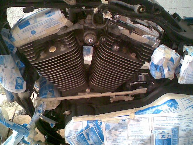 antes el motor negro, sustituido despues por el gris mate