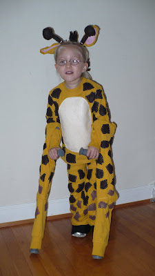 Giraffe costume - little girl with crutches