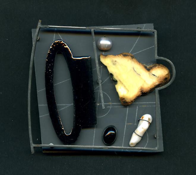 nº 1158  brooch, 2007. silver, nickel silver, plastic, enamel, amber, onyx, pearl.