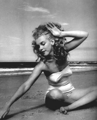 marilyn monroe hairstyles. Marilyn Monroe Hair amp;