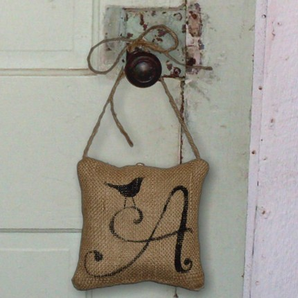 A saturday smile ten things you can make with burlap for What can i make with burlap