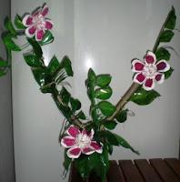 Arranjos De Flores Feitos   Garrafa Pet