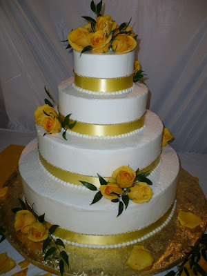 Garden Wedding Cake Yellow Roses and Gold pearl trim
