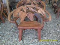 เก้าอี้มีพนักกลาง