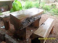 โต๊ะท่อนไม้
