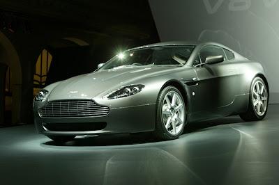 Aston Martin v8 Vantage coupe exterior