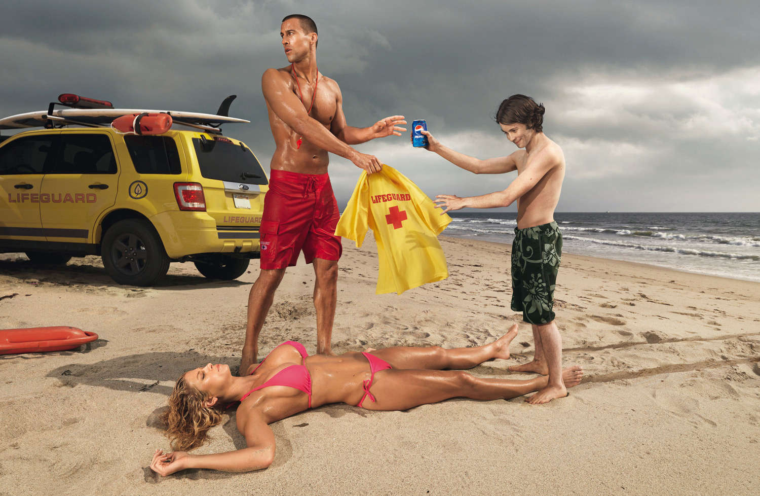 french-kiss-pepsi-lifeguard-funny47