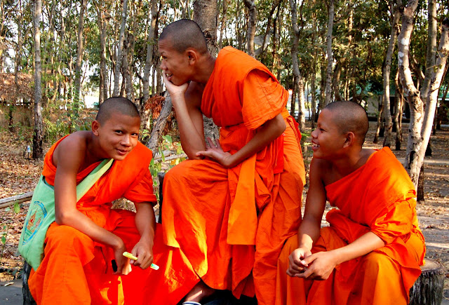 buddhism thailand photo khonkaen isaan buddhist monks