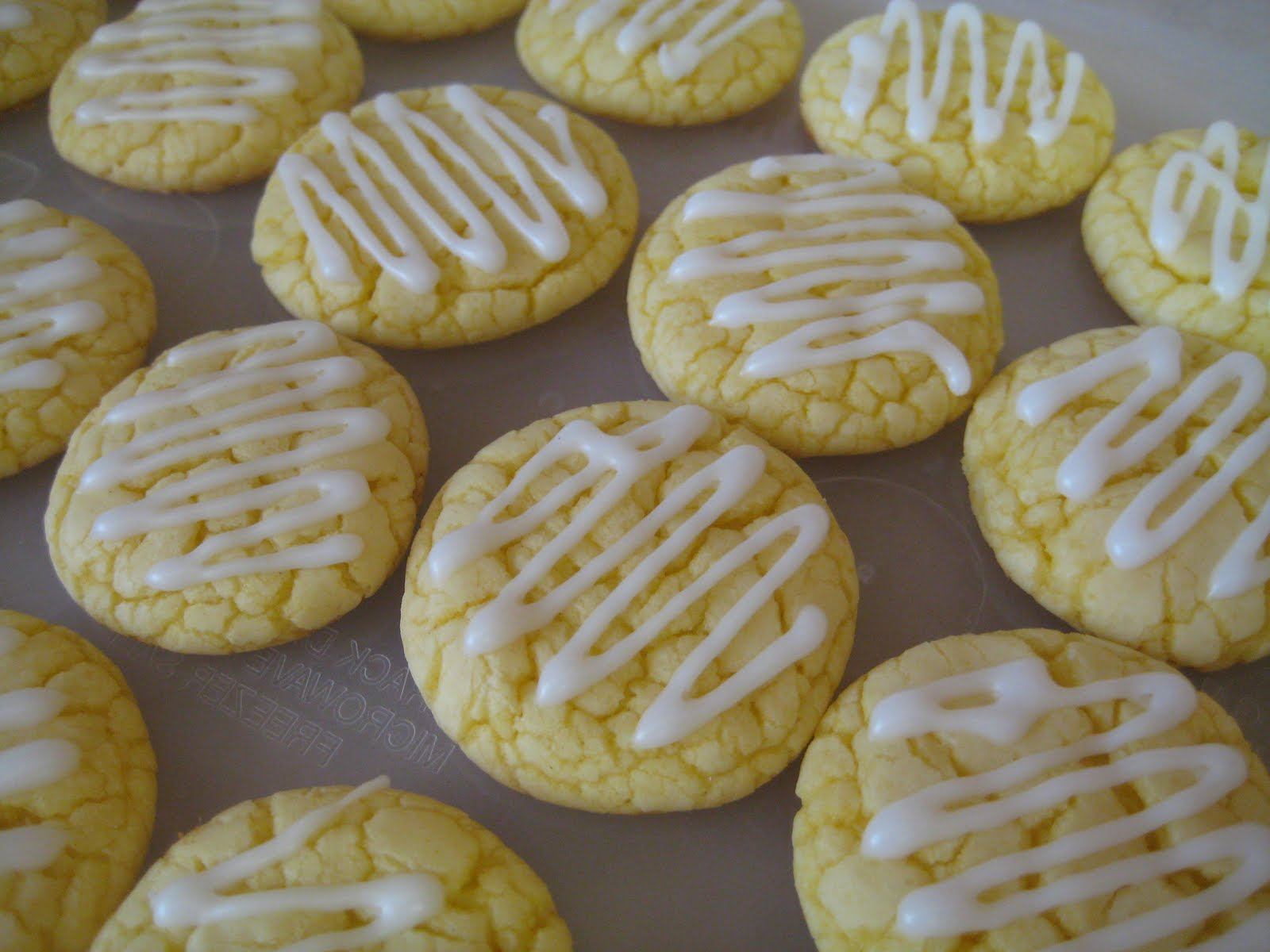 Treats By Christi: Lemon Cookies