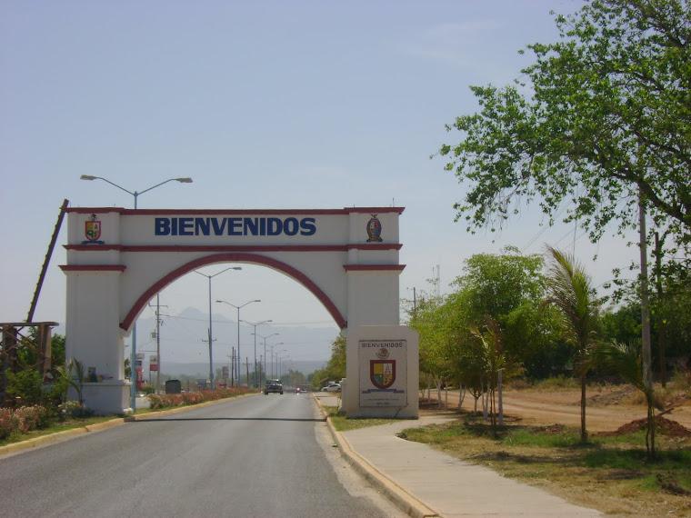 Arco de bienvenida en Sinaloa de Leyva
