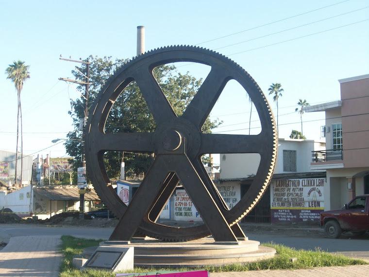 Monumento a la entrada de la ciudad de Eldorado