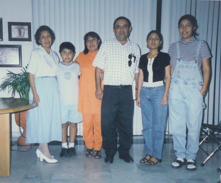 Familia Romero Andrade en el Casino de la Cultura