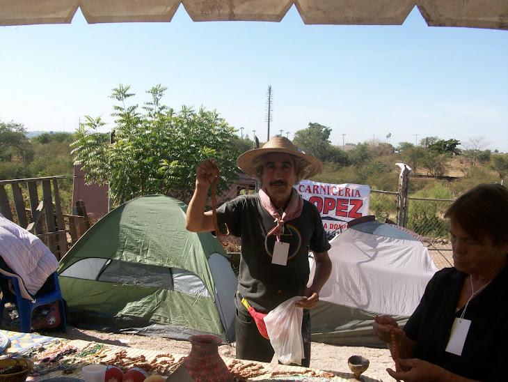 Buen artesano y explendido músico  en encuentro Yoreme
