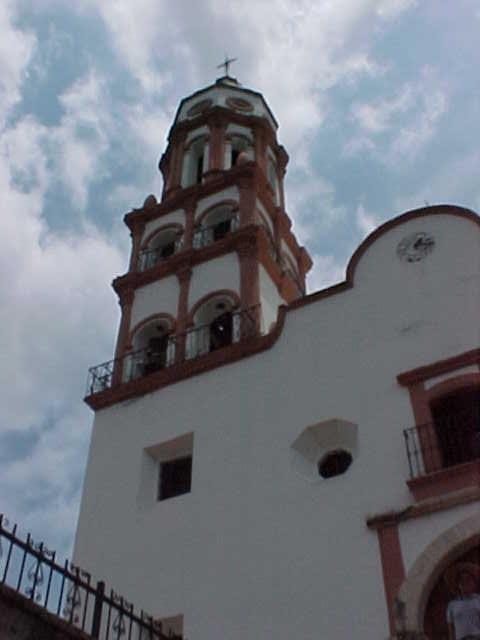 Parte la fachada de la iglesia de Santa Ursula