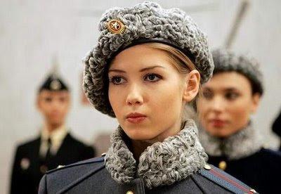 bonjour petit poney au miel (prededement loiselle de la team raf , mais ca c etait avant ) Femme+militaire+russie