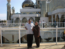 my mOm and dad :)