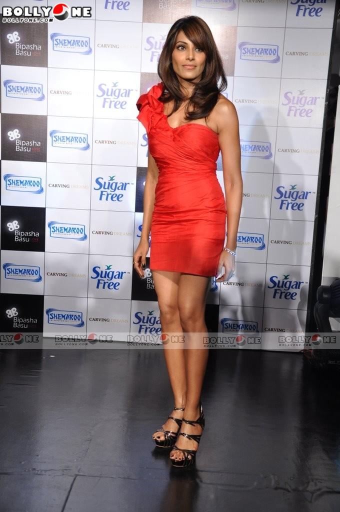 Bipasha Basu - News - IMDb