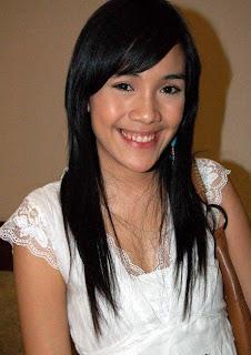 Syarmi Amanda Is Star Actress Sinetron And Film Of Indonesia She Bor In Jakarta  More Popular With Serial Tv Hit Ada Apa Dengan Cinta