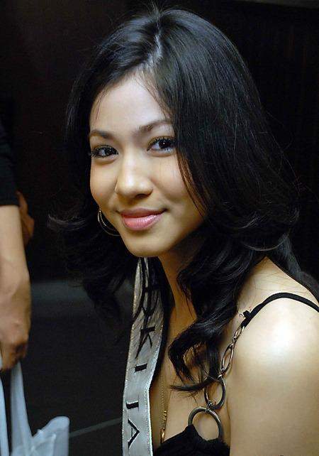 Foto Karenina Sunny Halim Miss Indonesia 2009