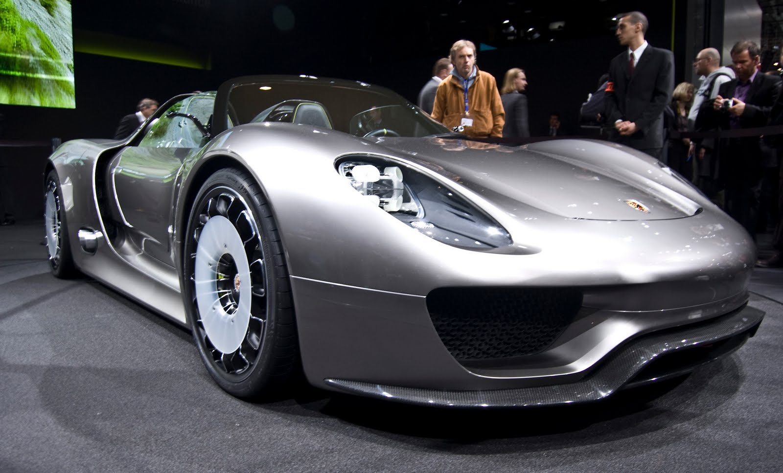 porsche 918 spyder hybrid car will have electric plug in today24news. Black Bedroom Furniture Sets. Home Design Ideas
