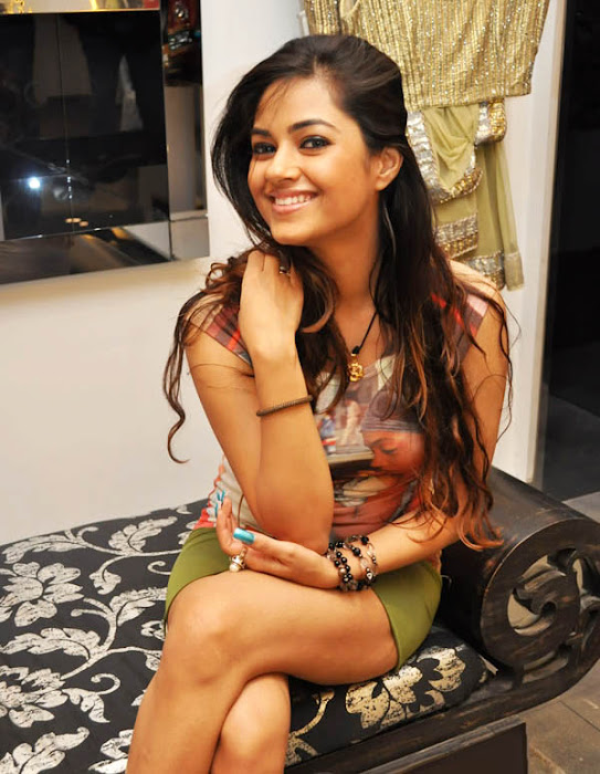 meera chopra meera chopra shoot meera chopra hidden camera meera chopra half house picture actress pics